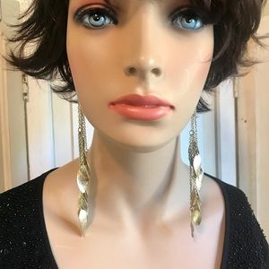 Jewelry - Light gold tone long dangle earrings